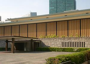 外務省飯倉公館 ルーバーフェンス用パネル